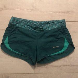Patagonia green running shorts lined medium good